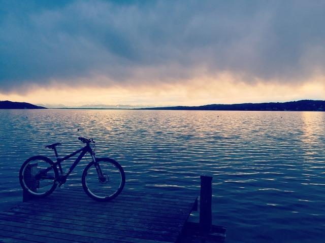 kisa bicikl oblacno