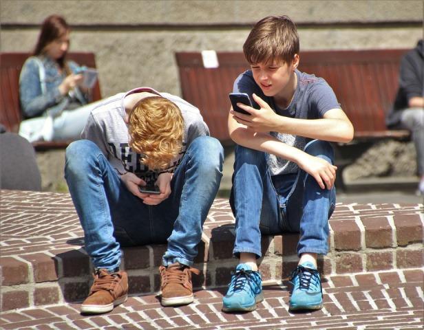 deca mobilni telefoni