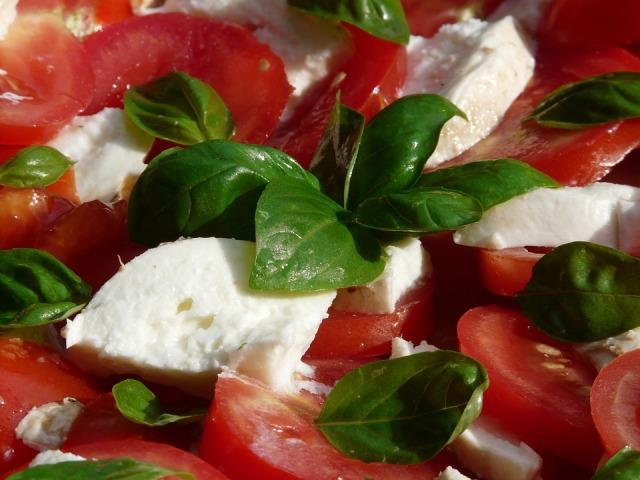 salata paradajz