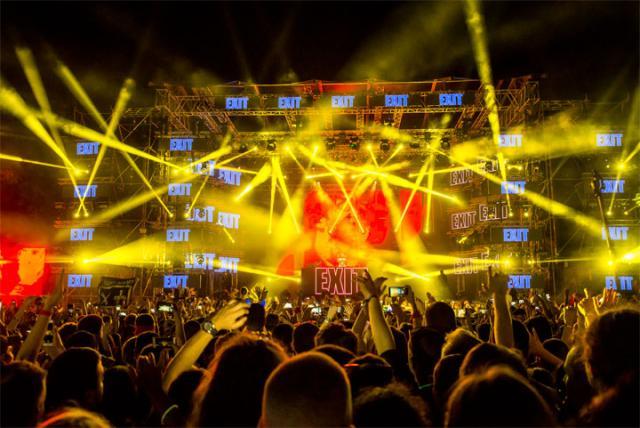Eгзит фестивал сутра отвара капије
