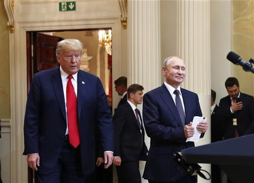 Tram i Putin u Helsinkiju Foto: AP Photo/Pablo Martinez Monsivais