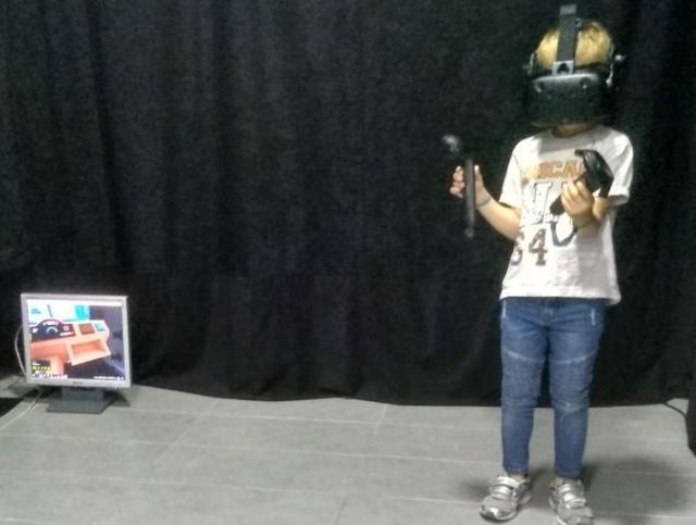 Staviš naočare i krećeš u borbu protiv robota i zombija...foto:Dnevnik.rs/ P. Mijatović