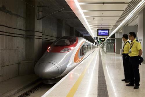 Nova linija super brzog voza u Hongkongu Foto: Giulia Marci/ Pool Photo via AP