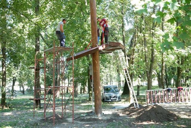 Postavlja se adrenalin park u Sremskoj Mitrovici Foto: Dnevnik.rs