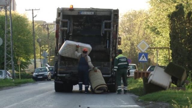 Vrbaski komunalci nose skoro sve Foto: Dnevnik.rs