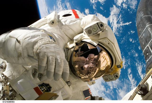 astronaut, pixab