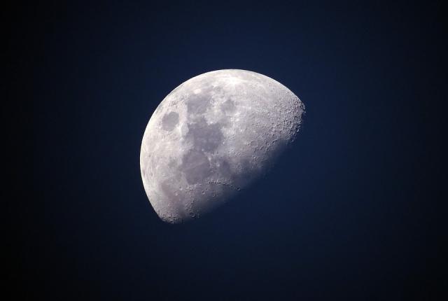 mesec, pxabay