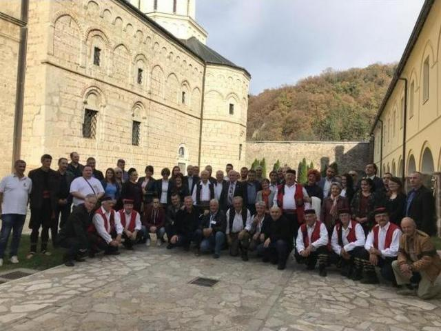 Gosti u manastiru Jazak Foto: Dnevnik.rs