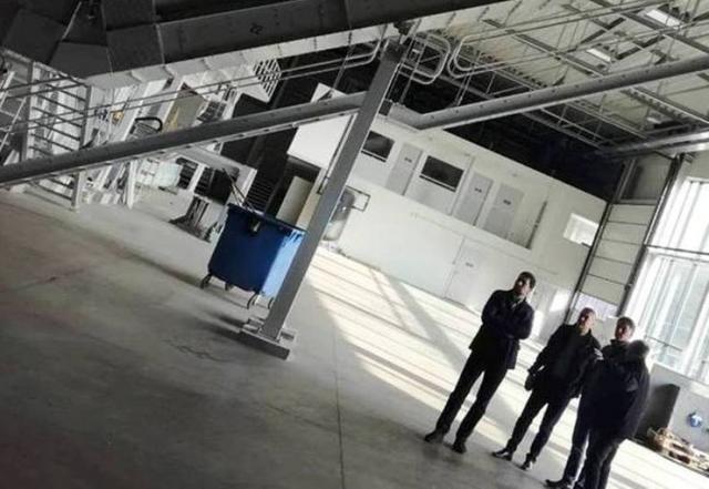 Delegacija Ade u fabrici za proizvodnju postrojenja za selekciju i preradu otpada u Zalegersegu u Mađarskoj Foto:Opština Ada