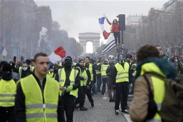 pariz protesti