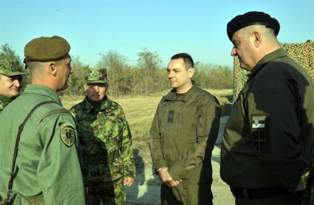 Aleksandar Vulin sa oficirima Vojske Srbije/Jovo Mamula MC Odbrana