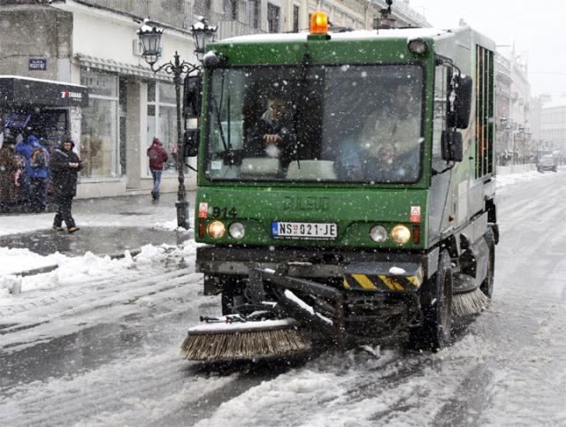 Ciscenje snega/R. Hadzic