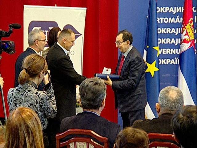 "Uručene nagrade ""Zlatno pero"" Društva novinara Vojvodine Foto: Pokrajinska vlada"