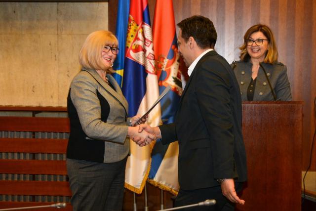 Smiljka Jovanović uručila ugovore za sufinansiranje EU projekata Foto: Pokrajinska vlada