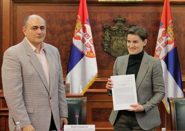 Radna grupa predala Brnabićevoj nacrt Medijske strategije  Foto: Tanjug