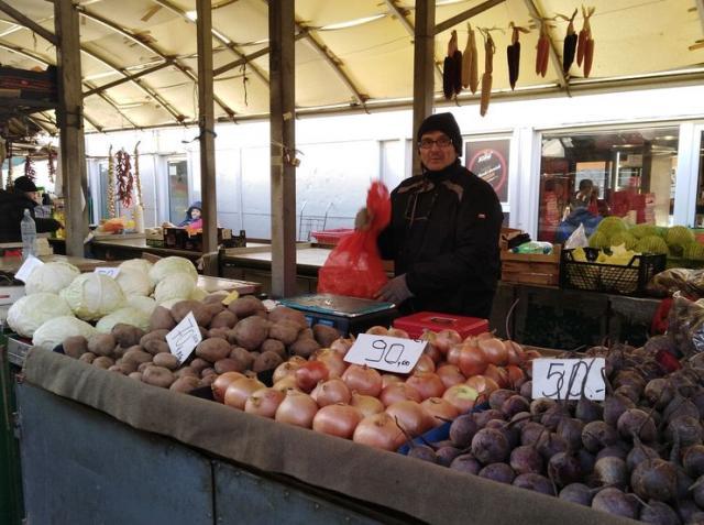 Ponuda povrća na Futoškoj pijaci Foto: S. Kovač