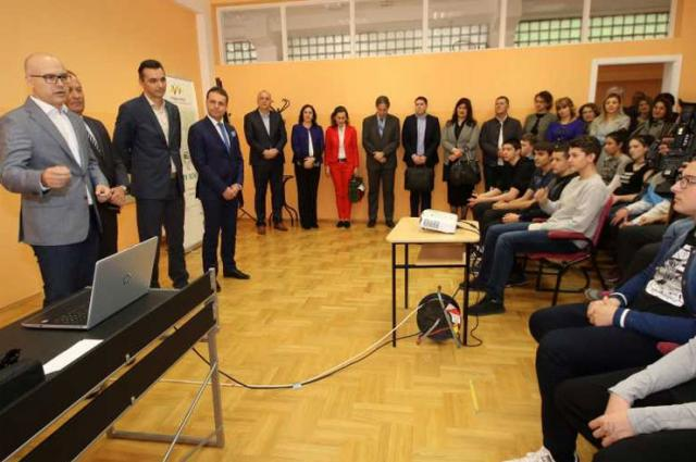 "Održan Evropski kviz novca u OŠ ""Nikola Tesla"" Foto: novisad.rs"