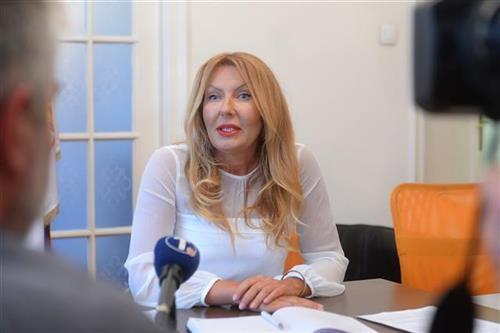 Predsednica Komore javnih izvršitelja Aleksadra Trešnjev Foto: Tanjug/video