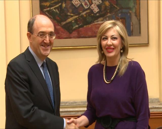 Ministar za evropske integracije Jadranka Joksimović i ambasador Italije Karlo lo Kašo foto: Tanjug/video