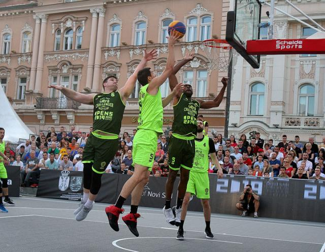F. Bakic/Finale u basketu