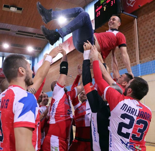 Boris Rojevic na rukama rukometasa Vojvodine/RK Vojvodina