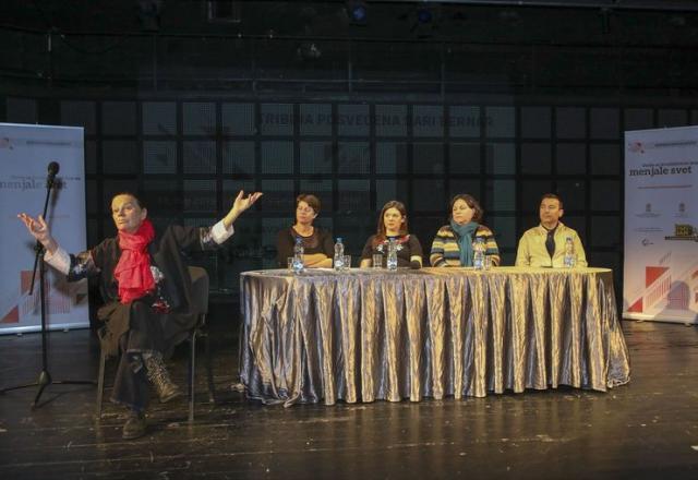 """Tribina """"Osobe s invaliditetom koje su menjale svet"""" na Kamernoj sceni SNP  Foto: R. Hadžić"""