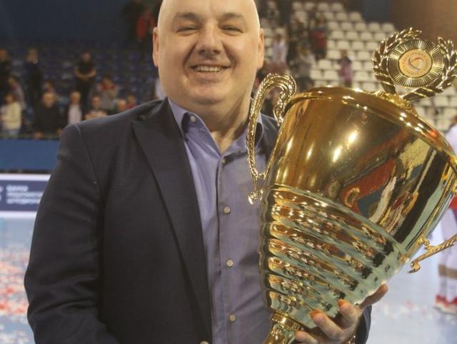 Dragoljub Zbiljić s novim peharom šampiona Srbije Foto: F. Bakić