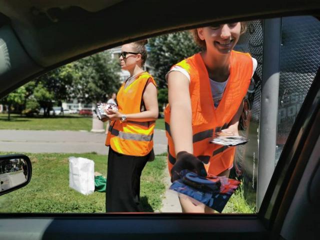 Nagrađeni vozači koji poštuju pravila sigurnosti u saobraćaju Foto: Aktiv NS