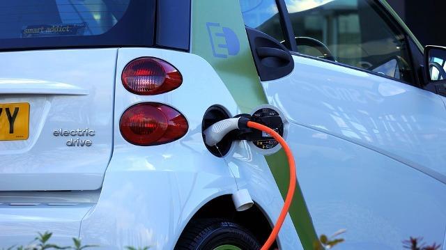 elektricni automobil