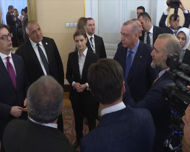 Brnabić u Sarajevu sa Erdoganom, Borisovim Foto: Tanjug/video