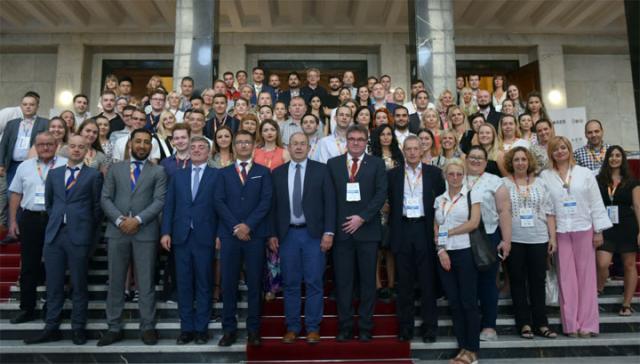 Letnja akademija AER-a/Skupština Srbije