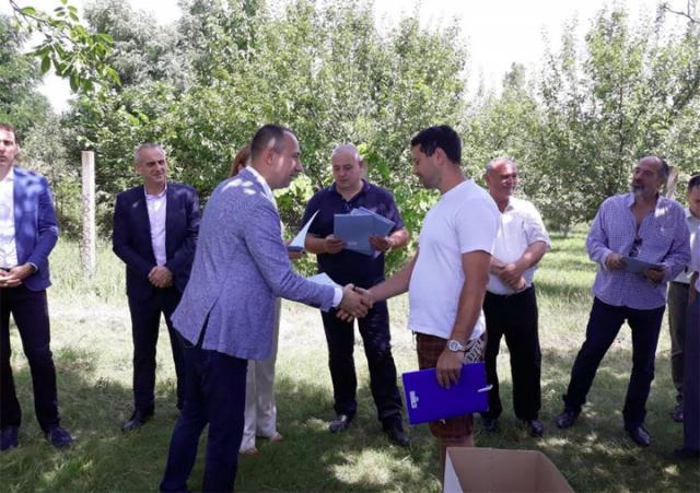 Vuk Radojevic sa kikindskim pčelarima/Pokrajinska vlada
