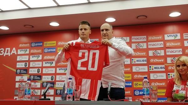 Novi fudbaler Crvene zvezde Njegoš Petrović Foto: Tanjug/FK Crvena zvezda