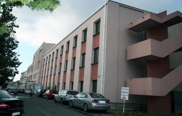 Nezavršeni deo zgrade ima prizemlje, dva sprata i potkrovlje Foto: Dnevnik.rs