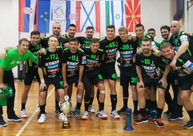 Ekipa Nekse iz Našica osvojila prvi put trofej u Kanjiži Foto: M. Mitrović
