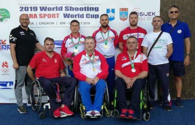 Naši osvajači medalja na Svetskom kupu u Osijeku Foto: PSSS