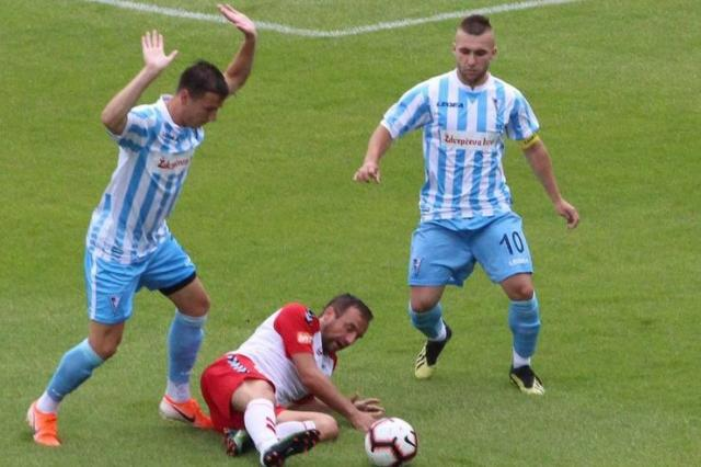 Stefan Milošević (desno, broj 10), kapiten Spartaka ŽK Foto: FK Spartak ŽK