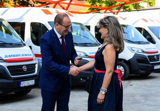 Pokrajinska vlada obezbedila vozila za dijalizu najugroženijim opštinama  Foto: Pokrajinska vlada