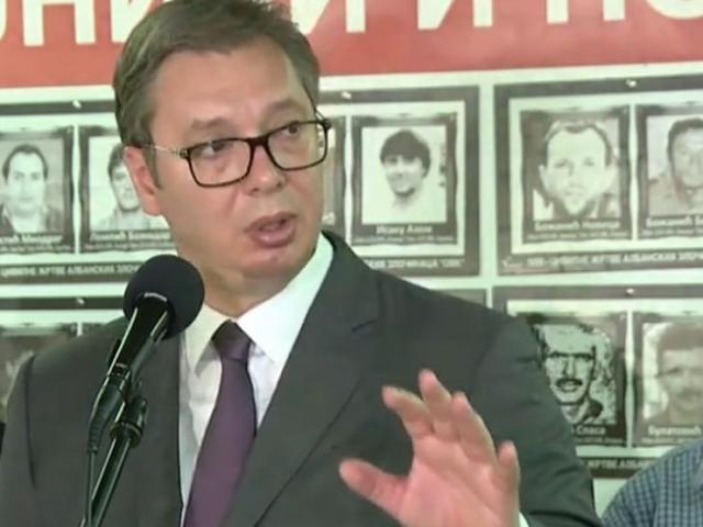 Predsednik Aleksandar Vučić u poseti Udruženju porodica kidnapovanih i ubijenih na Kosovu i Metohiji Foto: Tanjug/video