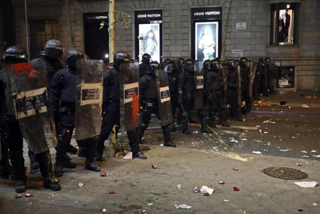 Protesti u Barseloni/Fonet
