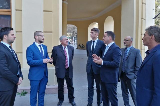 Ministar Branko Ružić u obilasku Gradske kuće sa domaćinima iz Sente Foto: M. Mitrović