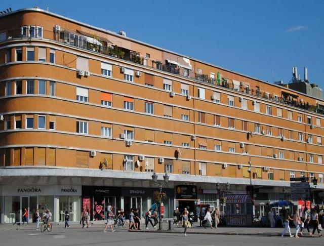 Stanari Tanurdžićeve palate traže krečenje zgrade Foto: V. Fifa