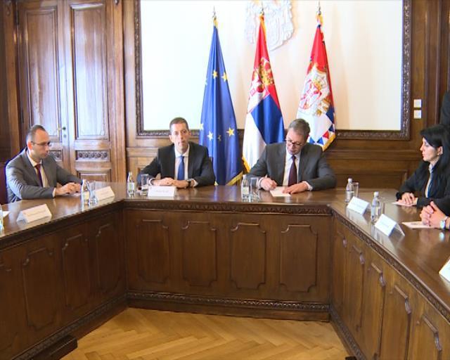 Vučić sa kandidatima za poslanike Srpske liste Foto: Tanjug/video