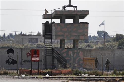 Povlačenje Kurda Foto: AP Photo