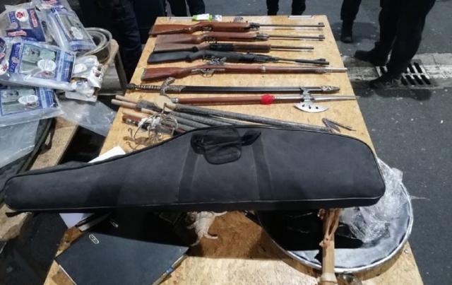 Arsenal oružja otkriven na Batrovcima Foto: Uprava carina