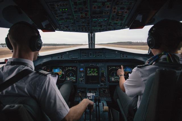 pilot pilotska kabina