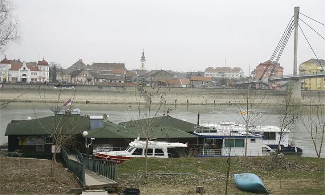 Sremska Mitrovica, reka Sava/F. Bakić