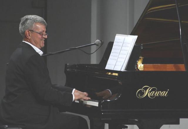 Aleksandar Dujin sa svojim orkestrom nastupa prvi Foto: Ivan Milinkov