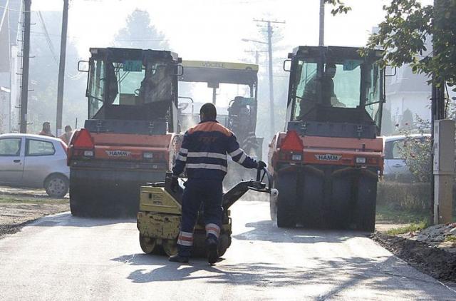 "Građevinske ekipe JKP ""Put"" rade punom parom Foto: F. Bakić"