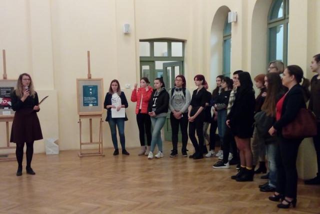 """Izložba plakata učenika Škole za dizajn """"Bogdan Šuput"""" u KC """"Eđšeg"""" Foto: J. Lazić"""